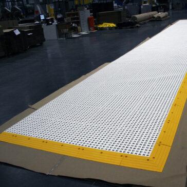 ErgoDeck GP #564 Open Grid White