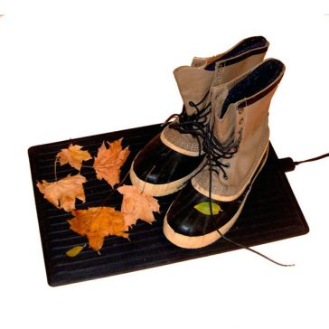 Comfy Foot Warmer melts snow off boots